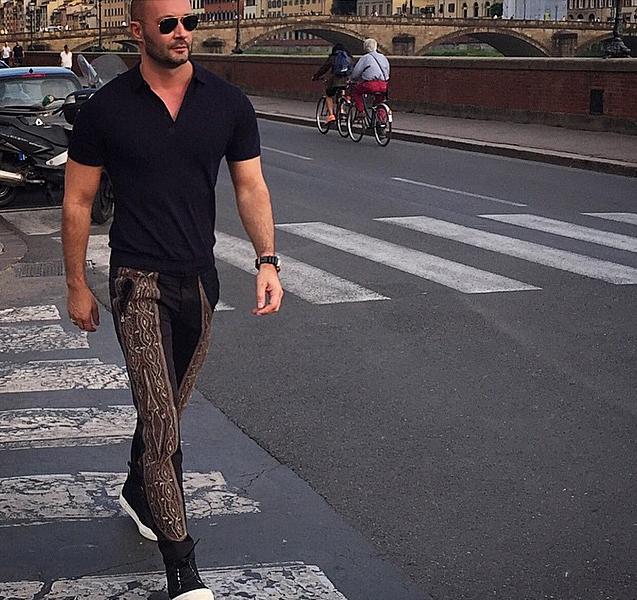 Milan Vukmirovic en las calles de Florencia. Foto vía Instagram: @milanvukmirovic