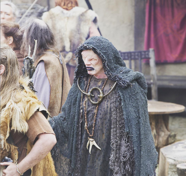 """Caracterización de """"El vidente"""" en la serie Vikings. Foto vía Instagram: @historyvikings"""
