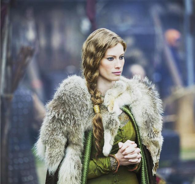 Reina Aslaug de la serie Vikings. Foto vía Instagram: @historyvikings