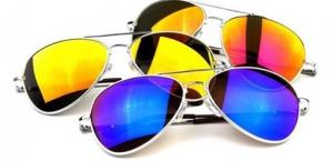 Gafas estilo aviador, por ser envolventes, ideales para rostros ovalados. Foto vía Instagram: @heatherkx3