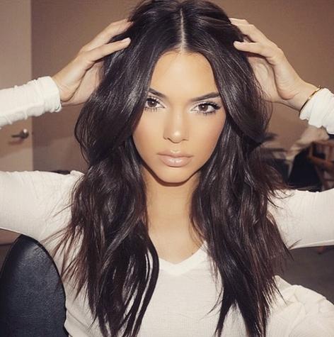 Kendall Jenner. Foto vía Instagram @boohooofficial
