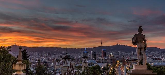 barcelona-913762_640