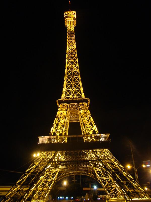 Torre Eiffel en Gomez Palacio. Foto vía wikimedia