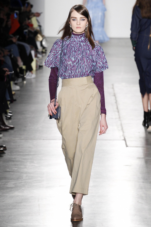 Karen Walker  O/I 2016-2017 Foto vía Vogue runway