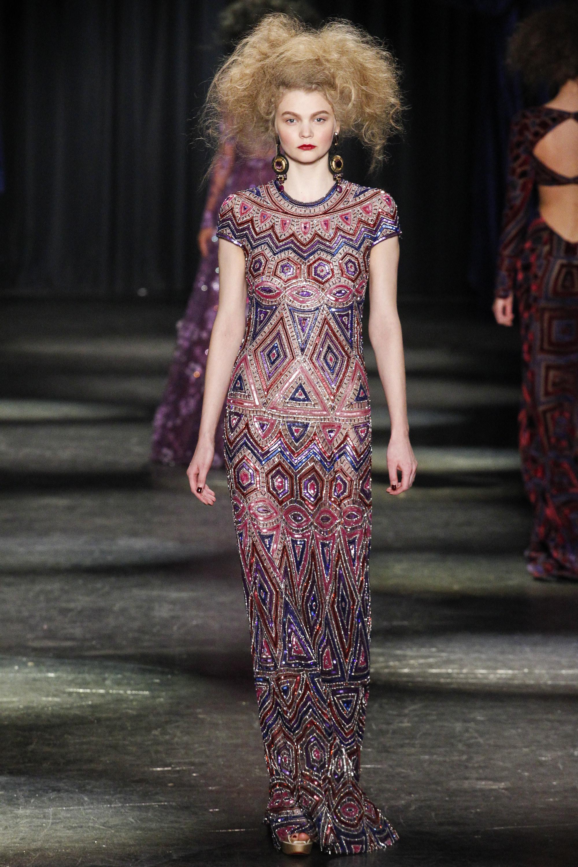 Naeem Khan O/I 2016-2017 Foto vía Vogue runway