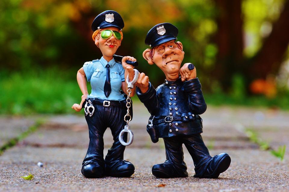 policia muñeco
