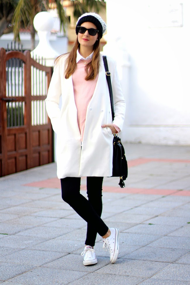 white coat fashion blogger pregnant style converse1